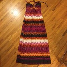 Maxi long fitted dress Soulmates Maxi Dress size small. Long slim fit, lightly padded cups. Size small long slim fit. 100% polyester with a string around the neck for adjusting. Soulmates Dresses Maxi