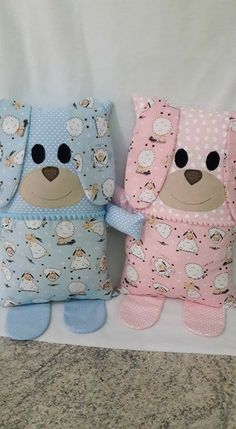 The Content For Yourself If You Like fabric dolls Don't Ignore These Guidelines - brightworld Sewing Patterns For Kids, Sewing Projects For Beginners, Sewing For Kids, Sewing Tutorials, Memory Pillows, Baby Pillows, Sewing Toys, Sewing Crafts, Handmade Stuffed Animals