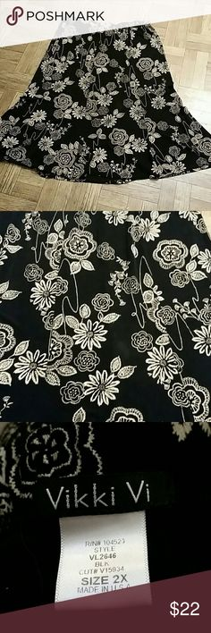 Size 2X  Floral Print  SKIRT Excellent vikki vi Skirts Maxi