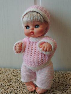 NINI  Pequeño muñeco de la casa Furga, su nombre es Nini y tiene una hermanita de su mismo tamaño, llamada Nana. Este pequeño muñequito, del mismo tamaño que los barriguitas