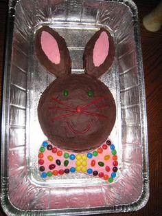 Bunny Cake http://pragmaticcompendium.wordpress.com/2010/03/24/easy-easter-bunny-cake/