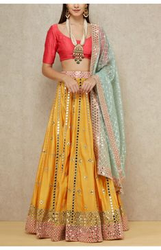 Dress Indian Style, Indian Fashion Dresses, Indian Designer Outfits, Indian Outfits, Ethnic Wear Designer, Indian Clothes, Designer Bridal Lehenga, Bridal Lehenga Choli, Lehenga Wedding