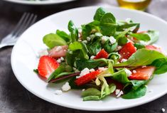 Strawberry Salad Recipe with Lamb Lettuce and Feta — Eatwell 101