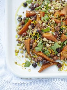 Need a salad that's vegetarian and gluten-free? This sprouting super salad is a delicious mix of crunchy hazelnuts, Chantenay carrots, maple syrup and sprouting seeds in an orange and honey dressing. Lunch Recipes, Vegetable Recipes, Cooking Recipes, Veggie Meals, Summer Recipes, Salad Recipes, Delicious Vegan Recipes, Vegetarian Recipes, Healthy Recipes
