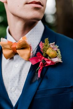 If you're Pittsburgh-born, this carnival wedding inspiration is bound to make you feel like a kid again. See it on Burgh Brides! Wedding Men, Wedding Suits, Wedding Attire, Bride And Groom Gifts, Groom And Groomsmen, Circus Birthday, Circus Party, Birthday Parties, Circus Cakes
