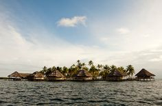 I really want to go to the San Blas Islands in Panama. How amazing would this be?!