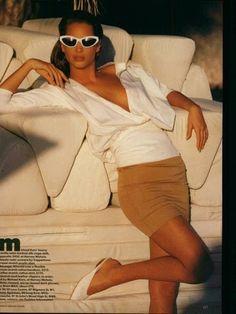 Vogue UK April 1988 - Christy Turlington by Patrick Demarchelier 80s Fashion, Timeless Fashion, Trendy Fashion, High Fashion, Fashion Ideas, Fashion Killa, Fashion Clothes, Fashion Women, Fashion Tips