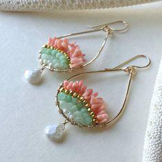 Pink Mint Earrings Chrysoprase Hoop Earrings by BellaAnelaJewelry Cute Jewelry, Jewelry Crafts, Beaded Jewelry, Beaded Bracelets, Mint Earrings, Bead Earrings, Earrings Handmade, Handmade Jewelry, Diy Accessoires