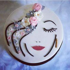 Creative Cake Decorating, Birthday Cake Decorating, Cake Decorating Techniques, Creative Cakes, Birthday Cake Write Name, Birthday Cake Writing, Birthday Cake With Photo, Happy Birthday Cakes For Women, Elegant Birthday Cakes