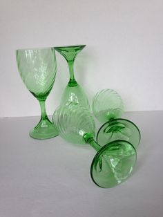 green wine glasses, vintage green depression water glasses, green crystal drinking glasses, vintage green housewares, vintage gift idea - pinned by pin4etsy.com