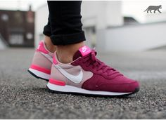 Nike wmns Internationalist (Villain Red / White - Champagne - Pink Pow)
