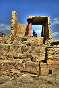 Knossos Palace, Crete Knossos Palace, Minoan Art, Bronze Age Civilization, Beautiful Ruins, Mycenaean, Ancient Beauty, Crete Greece, Acropolis, Ancient Greece