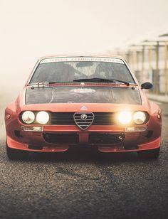 Alfa Romeo GTV | repinned by www.BlickeDeeler.de