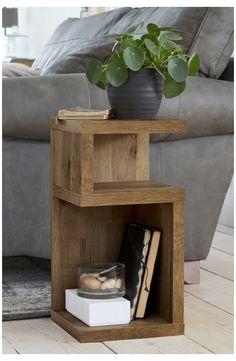 Side Table Decor, Bed Side Table Ideas, Next Side Tables, Pallet Side Table, Rustic Side Table, Side Tables Bedroom, Bedroom Sets, Cozy Bedroom, Diy Nightstand