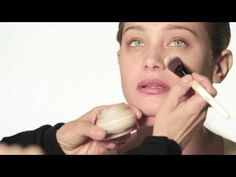 How-To: Foundation  -- by Bobbi Brown (Bobbi Brown Cosmetics)