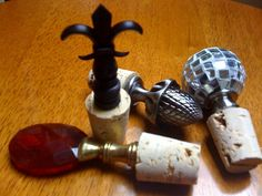 Make your own wine topper- what a fun, inexpensive gift idea!
