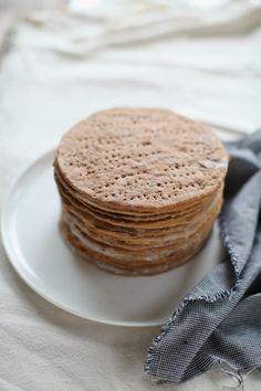 Russian Honey Cake Medovik - masam manis Russian Honey Cake, Asian Recipes, Telur, Bread, Breakfast, Food, Morning Coffee, Brot, Essen