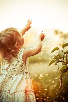 No tengas miedo, siempre habrá alguien que te acompañara. No tengas miedo, siempre hay alguien que ten entenderá. No tengas miedo, porque tus debilidades serán las grandes lecciones en la vida. Tu miedo no será eterno, no pierdas la esperanza de sobrepasar y dejar atrás tiempos obscuros. Ten valor! Ten orgullo de sí mismo! Ten fuerza! (NC)