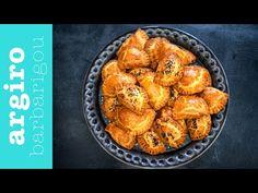 Τυροπιτακια κουρου με γιαούρτι από την Αργυρω Μπαρμπαρίγου   Τυροπιτάκια κουρού με ζύμη αφράτη και τραγανή σαν μπισκότο. Ιδανικά για παιδιά!