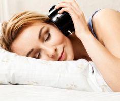 Usnout za minutu? Naučí vás to metoda 4-7-8! Nadýchnete se nosem na 4 vteřiny Zadržíte dech na sedm vteřin Pomalu ústy vydechnete na osm vteřin