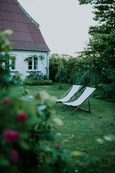 Farmhouse on Ærø island in Denmark. Garden and nature photography e-course + Workshops focused on slow living, gardening, photography and creativity. Slow Living, Bed And Breakfast, Sun Lounger, Nature Photography, Exterior, In This Moment, Island, Creative, Garden Cottage