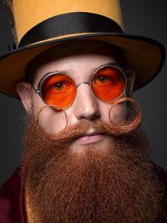 New Orleans, barba e baffi da record #red #redglasses #original