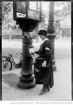 post lady, Paris 1918