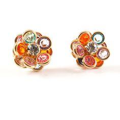 In categoria bijuteriilor pentru femei, cel mai important loc il ocupa cerceii, deoarece acestia sunt un accesoriu purtat in orice moment al zilei si deoarece sunt primii observati atunci cand cineva priveste spre chipul tau. De asemenea, cerceii influenteaza modul in care iti sunt percepute forma fetei si a ochilor. De aceea, este important sa porti tot timpul cercei de calitate, cu un design profesionist, ca cerceii placati cu aur de 18 K din colectiile SaraTremo. Stud Earrings, Jewelry, Fashion, Moda, Jewlery, Jewerly, Fashion Styles, Stud Earring, Schmuck