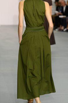 Jasper Conran at London Fashion Week Spring 2017 - Livingly Source by jsldekov fashion hijab Lovely Dresses, Simple Dresses, Long Dresses, Casual Dresses, Fashion Office, Simple Dress Pattern, Lady, Tent Dress, Moda Casual