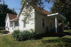 403 Grand Ave, Lincoln, IL 62656 - Zillow