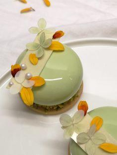 Patisserie Design, Sweet Recipes, Cake Recipes, Dessert Recipes, Dacquoise, Desserts Menu, Little Cakes, Mini Cakes, Food Inspiration