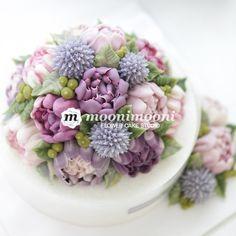 MOONIMOONI FLOWER CAKE 보라색은 나만 좋아하는게 아닌가보다. 내가 좋아하는 보라색...