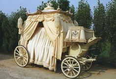 """"""" For actual royalty, or just folks who want the royal treatment? Because technically I belong to both groups and I want this hearse. Post Mortem, Flower Car, Horse Drawn, Momento Mori, Casket, Queen, Victorian Era, Funeral, Vintage Cars"""