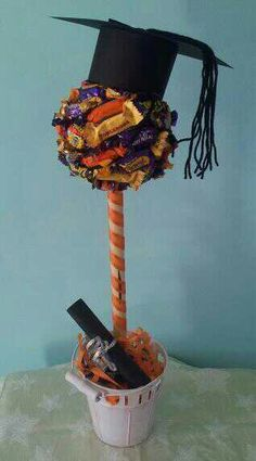 Graduation sweet chocolate tree Topiaria - Blog Pitacos e Achados - Acesse: https://pitacoseachados.wordpress.com - https://www.facebook.com/pitacoseachados - https://plus.google.com/+PitacosAchados-dicas-e-pitacos - #pitacoseachados