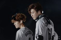 Find images and videos about korean boy, cute couple and chanbaek on We Heart It - the app to get lost in what you love. Exo Chanbaek, Baekhyun Chanyeol, Park Chanyeol, Exo Exo, Exo Couple, Exo Concert, Exo Lockscreen, Xiuchen, Best Friend Pictures