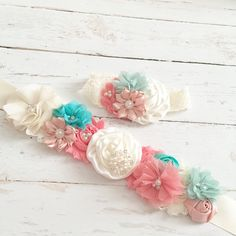 coral blush seafoam aqua teal cream sash por Goldfeatherboutique