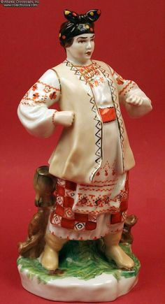 Collect Russia Odarka, 1976-1991, a dramatic and colorful porcelain figurine by the Kiev Experimental Ceramic Factory of the Cossack villianess (a nagging wife!) from Zaporozhez Across the Danube River, the 19th C Ukrainian comic opera. Soviet Russian
