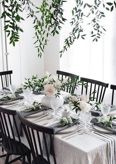 Spring Table for Mother's Day (Homey Oh My) Rooms Ideas, Table Set Up, Spring Home Decor, Wedding Table Settings, Dining Table Settings, Deco Table, Holiday Tables, Decoration Table, Home Living