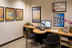 A clean organized Chiropractic Report of Findings room
