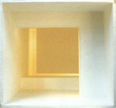 Jürgen Albrecht Lichtskulptur, 1996/2002 Karton, Papier 13,2 x 14,5 x 35 cm Auflage: 6 Exemplare signiert, nummeriert 900 € / 960 €