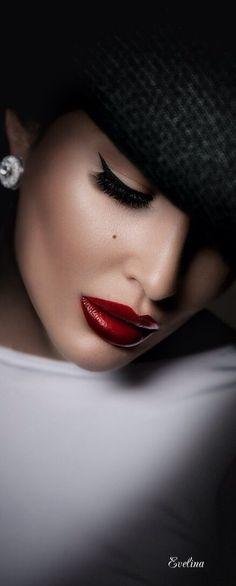 Such beautiful lips Beautiful Lips, Beautiful Dream, Beautiful Women, Stunning Eyes, Simply Beautiful, Beautiful Pictures, Perfect Red Lips, Estilo Rock, Red Lipsticks