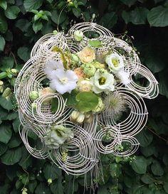On the mix @florariairis #flowerslovers #naturelove #atelieriris #caleamosilor34 #floraridin1970 #whiteflowers #circleoflife #echiparacheta