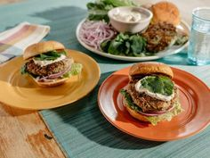 Falafel Spiced Turkey Burger - #healthyturkeyburgers - Falafel Spiced Turkey Burger...