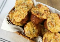 Keto Muffins Our keto muffin recipe is kinda like a keto egg muffin, but a little more hearty like a regular muffin! Great make ahead breakfast idea. Keto Egg Recipe, Keto Muffin Recipe, Recipe Cup, Muffin Recipes, Brunch Recipes, Breakfast Recipes, Hearty Recipe, Breakfast Ideas, Keto Egg Muffins