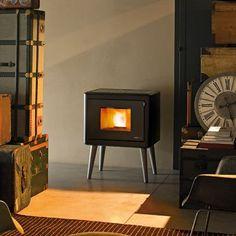 MCZ room heater that runs on wood pellets Pellet Fireplace, Wood Pellet Stoves, Fireplaces, Foyers, Freestanding Fireplace, Wood Pellets, Retro Stil, Piece A Vivre, Interior Inspiration