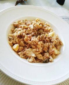 Koude pastasalade met tonijn recept - Pasta - Eten Gerechten - Recepten Vandaag Pasta Lunch, Salad Recipes, Tapas, Macaroni And Cheese, Oatmeal, Breakfast, Ethnic Recipes, Food, Life