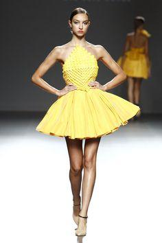 Eva Soto Conde. Origami. In love with this dress. Colección 2014