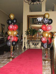 Balloon decorations, balloon ideas, hollywood cake, cinema party, balloon d Casino Party Decorations, Casino Theme Parties, Party Centerpieces, Balloon Decorations, Party Themes, Christmas Decorations, Balloon Ideas, Party Ideas, Hollywood Cake
