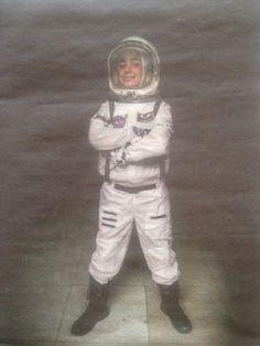 Vanaf de les over het zonnestelsel op de basisschool wilde ik astronaut worden. Ik stelde me voor dat ik hoog in de lucht ontdekkingen zou doen. Ik vind astronaut zijn fijn omdat ik de wereld vanuit een nieuwe invalshoek zie. Veel mensen zeiden dat een meisje dit niet kan worden. Nu ik mijn doel heb bereikt, wil ik meisjes met ambities vertellen dat ze met hun ouders moeten durven praten over wat ze willen en waarom. Zo weet je waar je heen gaat. Meredith Hutchison: vision not victim