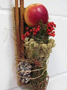 Apple cinnamon woodsy fall arrangement